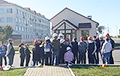 Шахцёры «Беларуськалія» прыйшлі падтрымаць калегу, які страйкуе пад зямлёй