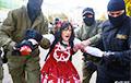 На марше в Минске каратели задержали Александру Гущу, девушку без кистей рук