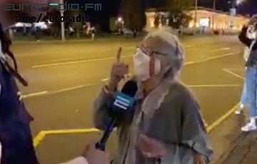 Видеофакт: Несокрушимая белоруска против ОМОНа