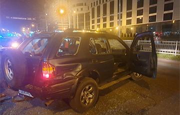«Силовики выскочили на дорогу и начали бить авто»