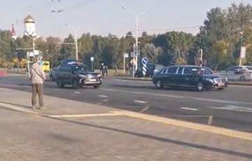 Автомобилисты засигналили и освистали кортеж «таракана» в Веснянке