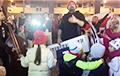 Павел Аракелян выступил перед революционным двором в микрорайоне Лебяжий