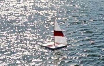 В Беларуси появился бело-красно-белый флот