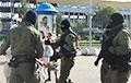 Фашысты Караева напалі на дзяўчат на Камароўскім рынку