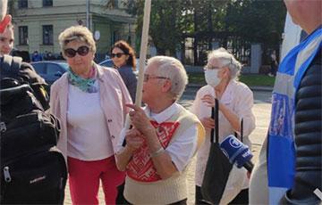 Карнікі затрымалі 73-гадовую Ніну Багінскую