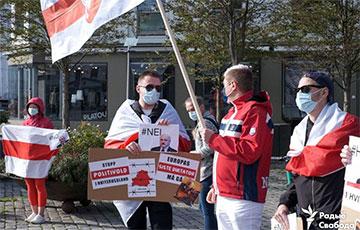 В Бергене прошла акция солидарности с народом Беларуси