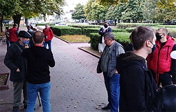 Жители Бобруйска вышли на акцию протеста