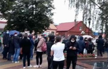 В Кобрине люди вышли на Марш