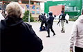 В Гродно горожане отбили у милиции протестующего