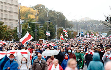 Таймлапс с Марша 97% на улице Машерова в Минске