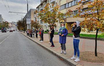 Женщины из «Белнипиэнергопром» вышли на акцию солидарности