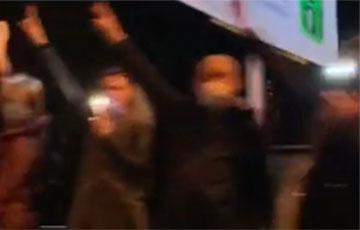 На Речицком проспекте в Гомеле выстроилась цепь солидарности