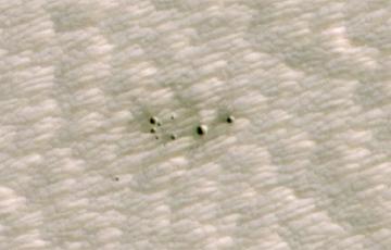 Искусственный интеллект помог найти свежие кратеры на Марсе