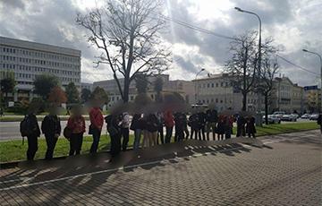 Студенты БНТУ выстроились в цепь солидарности
