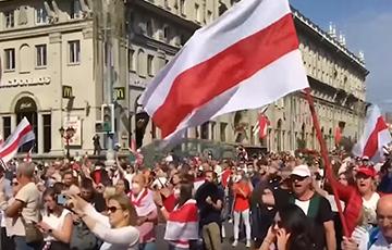 Группа «Ногу Свело!» выпустила клип с кадрами белорусских протестов