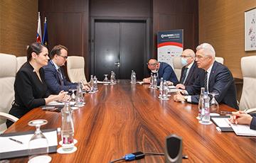 Словакия отзовет посла из Беларуси в знак солидарности с Литвой и Польшей