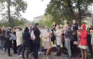 Студенты МГЛУ поддержали бастующих на заводе имени Козлова