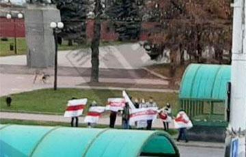 Минчане вышли на протест к Минскому автомобильному заводу