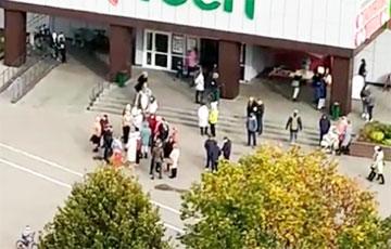 Протестующие в Жодино собираются на традиционном месте