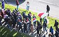 Как выглядит колонна протестующих на Партизанском проспекте