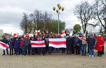 В Новогрудке люди также вышли на протест