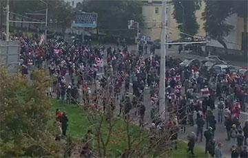 Таймлапс: Партизанский марш идет по проспекту