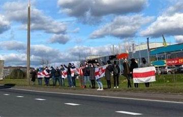 На Партизанском проспекте люди вышли на акцию протеста