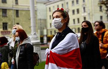 Жаночы марш у Менску ў яркіх фотаздымках