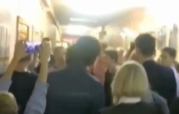 Brave Minsk Gymnasium Students Took Over Hall To Protest
