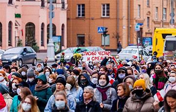 Жаночы марш салідарнасці са страйкоўцамі: яркі фотарэпартаж