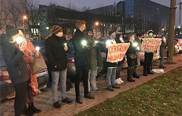 В Минске медики с самого утра вышли на акцию солидарности
