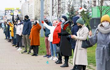 «Не забудем, не простим!»: акции памяти о Герое Беларуси Романе Бондаренко (Онлайн)