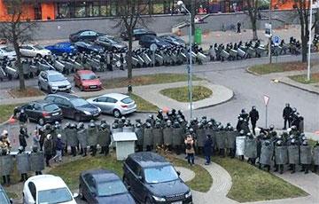 Ничего святого: Лукашисты уничтожили мемориал Роману Бондаренко