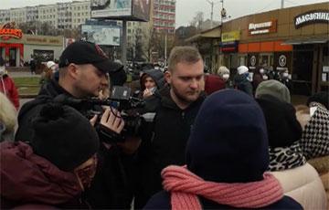 Женщина дала пощечину пропагандисту Азаренку