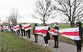 Минчане с самого утра вышли на акции солидарности