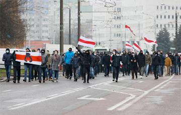 Правозащитники: Во время воскресных маршей 22 ноября задержано 374 человека