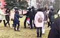 Как протестующие отбивали задержанных у силовиков