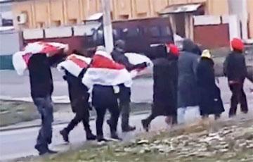 В Заславле уже началась воскресная акция протеста