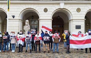 Львов, Мельбурн, Барселона и Рига поддержали белорусов