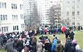 Мікрараён Захад прайшоў Маршам, скандуючы «Жыве Беларусь!»