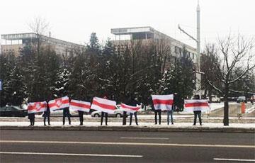 Минчане вышли на акцию протеста на Логойском тракте