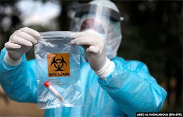 Belarus Starts Vaccination of Population with Dubious Russian Medicine Sputnik V