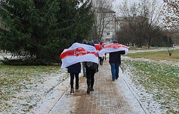 Минский район Смена вышел на марш в поддержку пенсионеров