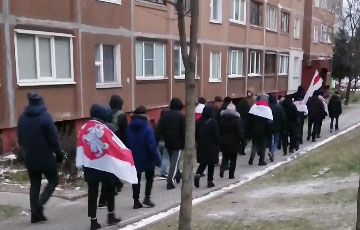 Жители Лошицы вышли на субботний марш