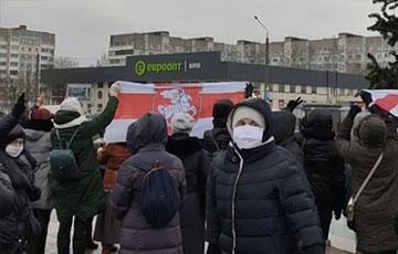 «Новый год без Лукаша»: как протестовали минские пенсионеры