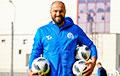 Футбольный тренер: Роман Бондаренко в одиночку восстанавливал граффити на площади Перемен