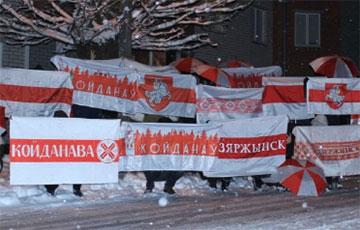 Белорусы в боевом и оптимистичном настроении перед традиционными воскресными маршами