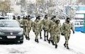 Internal Troops Sent to Clean Snow in Minsk