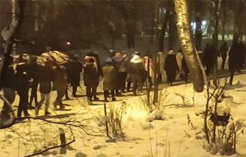Огромная колонна людей вышла на марш в Малиновке