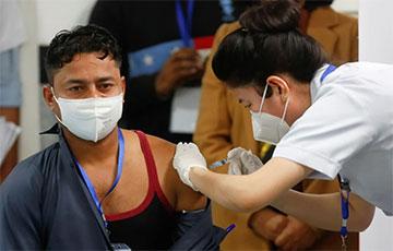Индия начала самую масштабную кампанию по вакцинации от COVID-19